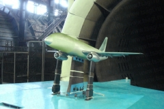 Фото 11. Модель самолёта Superjet 100 в аэродинамической трубе Т-104 ЦАГИ