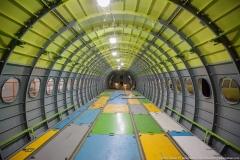 Фото 122. Внутри самолёта после состыковки фюзеляжа. На пол уложены временные панели