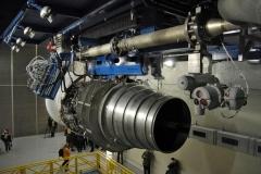 Фото 21. SaM146 на закрытом испытательном стенде. Измерительный комплекс стенда одновременно отслеживает более 1200 параметров