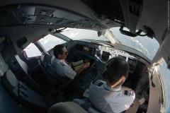 Фото 79. Пилоты за работой во время рейса Мехико-Масатлан. Декабрь 2013 г.