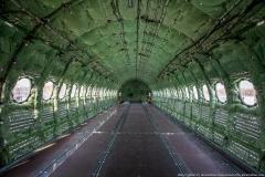 Фото 134. Из цеха самолёты выходят с таким салоном. Пассажирского салона ещё нет, проведена термо- и шумоизоляционная подготовка, а также монтаж электрооборудования (№95060)