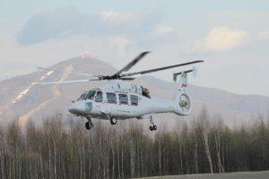 Первый опытный образец вертолета Ка-62 в первом полете. Арсеньев, 28 апреля 2016 г.