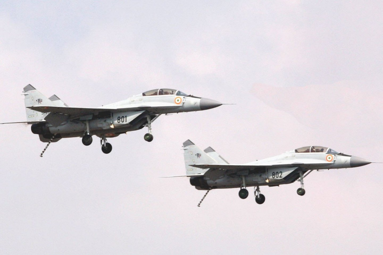F 35b refueling training - ccpixscom
